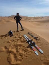 sci nel deserto dune sabbia snowboard P1100129