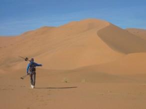 sci nel deserto dune sabbia snowboard P1100136