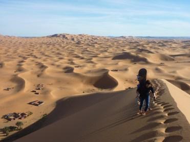 sci nel deserto dune sabbia snowboard P1100167