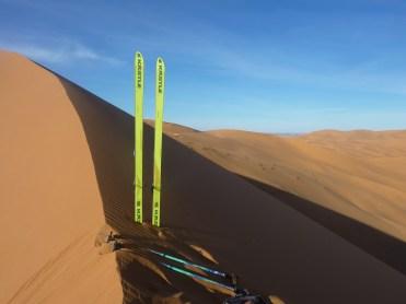 sci nel deserto dune sabbia snowboard P1100169