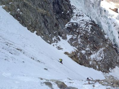 Piz cambrena via del seracco scivolo nord piz arlas piz palu mountainspace skialper bernina diavolezza alpinismo engadina palù naso ghiaccio giacomo longhi michele gusmini (11)