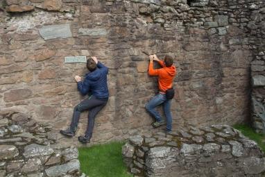 6 - giro della scozia climb trek mountainspace giacomo longhi michele gusmini elisa broggi camp cassin dynastar racer orcadi skye arrampicata scotland greta molinari highland hoy (9)