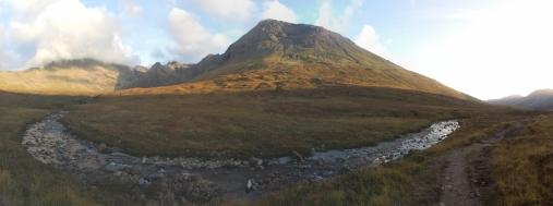 giro della scozia climb trek mountainspace giacomo longhi michele gusmini elisa broggi camp cassin dynastar racer orcadi skye arrampicata scotland greta molinari highland hoy (56)