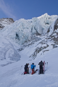 Piz morteratsch via zippert sci boval tschierva mountainspace giacomo longhi marco ballerini scialpinismo engadina bernina valentino cividini spraunza (10)