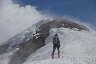 scialpinismo etna sicilia michele gusmini longhi giacomo lorenzo tagliabue marco ballerini mountainspace climb camp dynastar marvi sport rifugio sapienza funivie lava gopro racer (60)