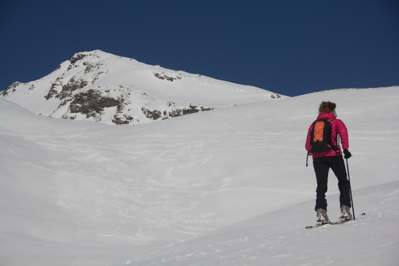 scialpinismo chilcalphorn san bernardino elisa broggi giacomo longhi jack dynastar camp marvi sport cantu lorenzhorn hinterrein slügen tallihorn valserhorn valserberg lange  (4)